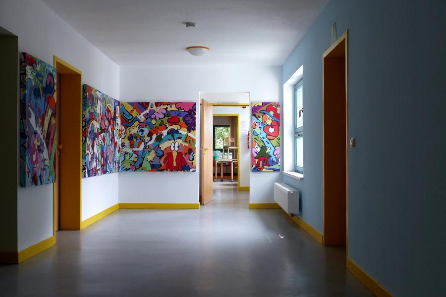 Nachher | Galerieraum mit Fries